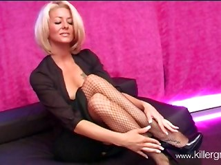 Sexy Milf Wants To Be Fucked!