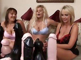 Extreme Ty 10 - Tys Pussy Stretchin Lesbo Party