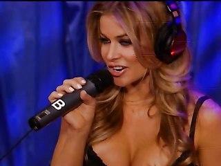Carmen Electra Masturbation